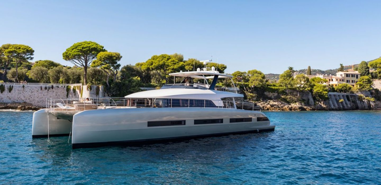 Catamaran Lagoon motor yacht par VPLP design